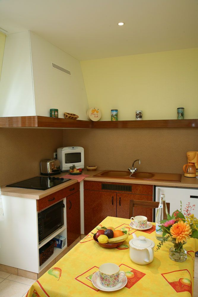 meuble mangin suzanne 39 prunelle 39 lorraine tourisme. Black Bedroom Furniture Sets. Home Design Ideas