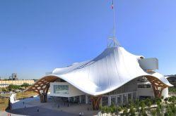 Centre Pompidou-Metz, avril 2010 © Shigeru Ban Architects Europe et Jean de Gastines Architectes, avec Philip Gumuchdjian pour la conception du projet lauréat du concours/ Metz Métropole / Centre Pompidou-Metz / Photo Philippe Gisselbrecht
